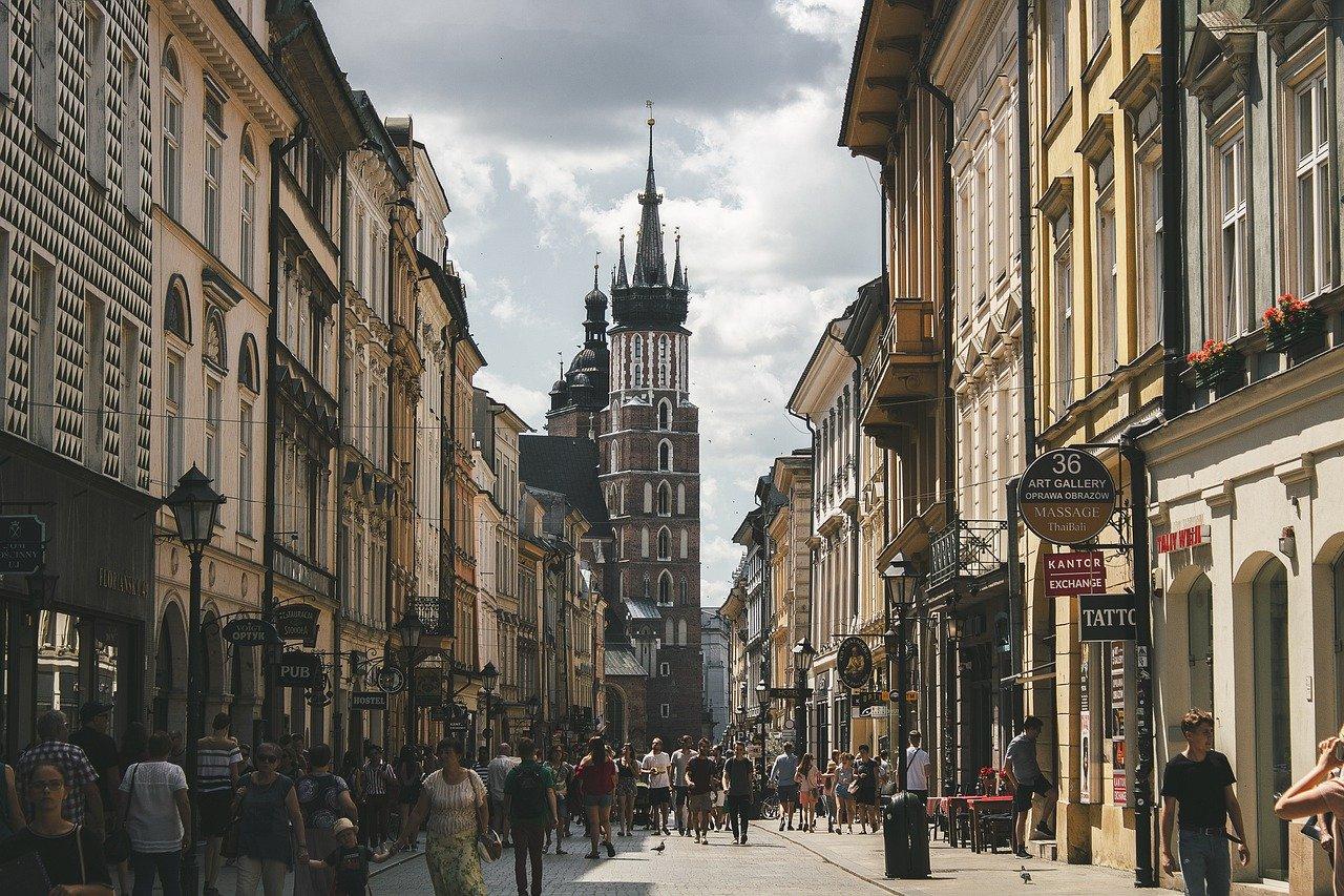 Mamy 30 lat na modernizację wszystkich budynków. Czy Polska na tym skorzysta?